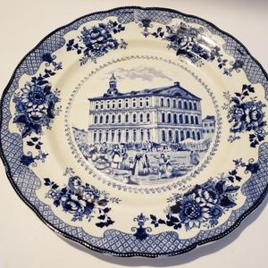 "buffalo pottery Accents - Antique buffalo pottery Faneuil Hall 10"" plate"